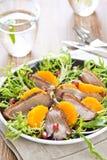Geräucherte Ente und orange Salat Lizenzfreie Stockbilder
