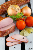 Geräucherte geschnittene Schweinefilets Selbst gemachter geräucherter Schweinefleischschinken Lizenzfreies Stockfoto