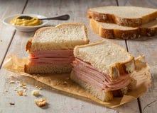 Geräuchertes Fleisch-Sandwich Stockfotos