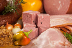 Geräuchertes Fleisch und Würste Lizenzfreie Stockfotografie