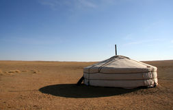 Ger in der Gobi-Wüste Mongolei stockbilder