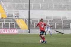 GER: MUJERES DE FC BAVIERA - MUJERES DEL MSV DUISBURG, 09 23 2018 imagen de archivo