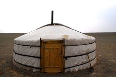 Ger nel deserto di Gobi, Mongolia immagini stock libere da diritti