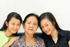 Geração asiática das mulheres da família fotografia de stock