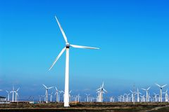 Geração das energias eólicas Fotografia de Stock Royalty Free