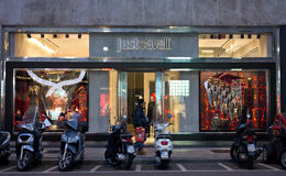 Gerade Cavalli-Shop Stockfoto