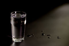 Gerade ein Glas Wasser Lizenzfreie Stockfotos