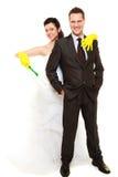Gerade geheiratet, Putzzeug halten Stockfotos