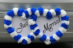 Gerade verheiratetes Zeichen auf Fahrzeug Lizenzfreies Stockfoto