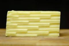 Geradeaus Cheddar-Käse Lizenzfreies Stockfoto