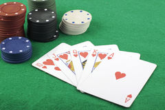 Gerades Erröten und Pokerchips stockbilder