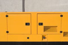 Gerador amarelo 2 fotografia de stock