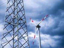Gerador bonde da torre e de vento (energia renovável) fotografia de stock
