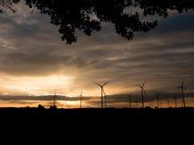 Gerador de poder da turbina eólica no por do sol Imagens de Stock Royalty Free