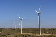 Geradores de vento na Espanha de Albacete fotos de stock