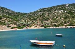 Gerakas zatoki lub plaży †'osamotniona część Alonissos wyspa fotografia stock