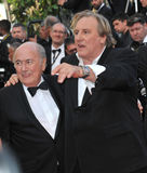 Gerard Depardieu u. Sepp Blatter lizenzfreies stockbild
