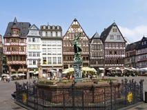 Gerechtigkeit Fountain bei Roemerberg, Frankfurt am Main Lizenzfreie Stockbilder