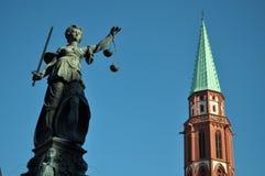 Gerechtigkeitsbrunnen Frankfurt Deutscher Lizenzfreies Stockfoto