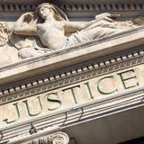 Gerechtigkeitszeichen Gericht-Bauordnungsrechtgerichts-Quadratformat Stockfotos