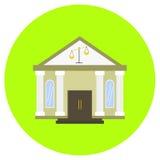 Gerechtsgebouw of gerechtelijk pictogram in in vlakke die stijl op grijze achtergrond wordt geïsoleerd De bouw van symbool voor u Royalty-vrije Stock Foto's