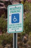 Gereserveerd slechts voor gehandicapten stock foto