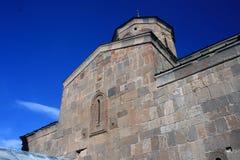Gergeti教会 Cminda Sameba Kazbegi, Stepantsminda 免版税库存图片