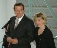 Gerhard Schroeder avec son épouse, Doris Schroeder-Koepf Images libres de droits