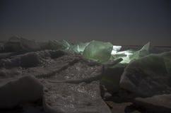 Geribbeld ijs op het strand stock afbeeldingen