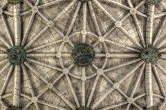Geribbeld plafond van Jeronimos-Kloosterkerk van Santa Maria in Lissabon stock foto