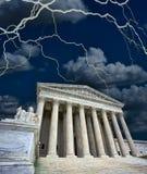 Gericht US Supriem in einem Sturm Stockbilder