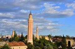 Gerilltes Minarett des historischen Wahrzeichens - Yivli Minare Lizenzfreies Stockbild