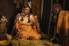 Gerimpelde inheemse vrouw Stock Foto's