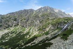 Gerlach склоняет на путь к Mala Vysoka стоковое изображение rf