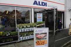 GERMAN  ALDI FOOD CHAIN OPENS ON MAUNDY THURSDAY Stock Photography