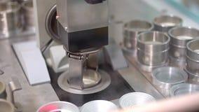 germany Il robot LR di Fanuc si accoppia video d archivio