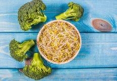 Germogli dei broccoli come ingrediente di una dieta sana immagine stock