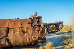 Geroest schip in de schipbegraafplaats, Oezbekistan Royalty-vrije Stock Afbeeldingen