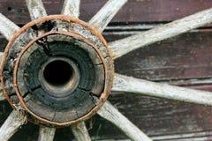 Geroest wiel in Letland in Sabile-stad stock foto's