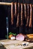 Gerookt worst en vlees Stock Foto