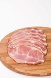 Gerookte die ham op de houten raad wordt gesneden Royalty-vrije Stock Foto