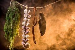 Gerookte ham in eigengemaakt rookhok Royalty-vrije Stock Foto's