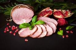 Gerookte ham met granaatappel Stock Afbeelding