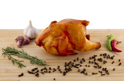 Gerookte kip op een raad Stock Fotografie