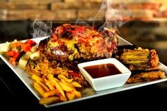 Geroosterd bbq lapje vlees met rozemarijn Royalty-vrije Stock Afbeelding