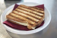 Geroosterd brood met kaas royalty-vrije stock fotografie
