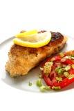 Geroosterd karperlapje vlees op organische aardappel stock foto's