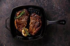 Geroosterd Lapje vlees bij het braden van Grillpan Royalty-vrije Stock Afbeelding