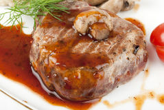 Geroosterd lapje vlees met saus Royalty-vrije Stock Afbeelding