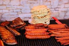 Geroosterd pitabroodje en vlees Stock Foto
